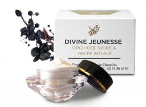 Crème de jeunesse à base de gelée royale et d'orchidée noire